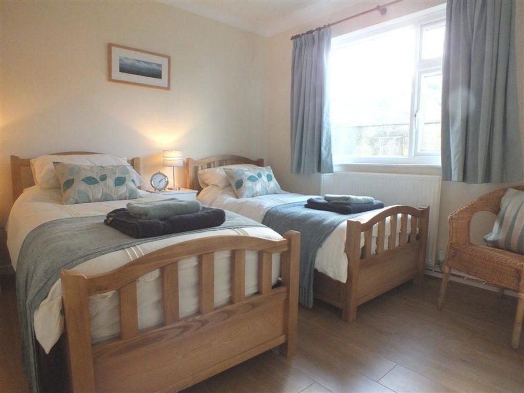 Twin bedroom Newport