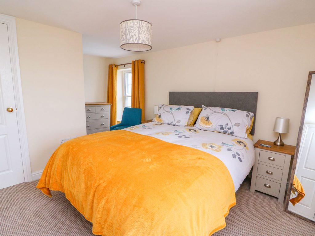 Aberaeron holiday cottage with en suite bedroom