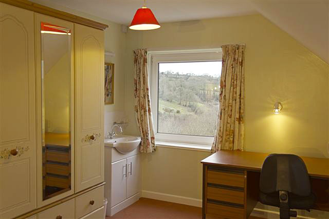Newcastle Emlyn. Self catering holiday cottages West Wales Clyn Glas Holiday Cottages Newcastle Emlyn