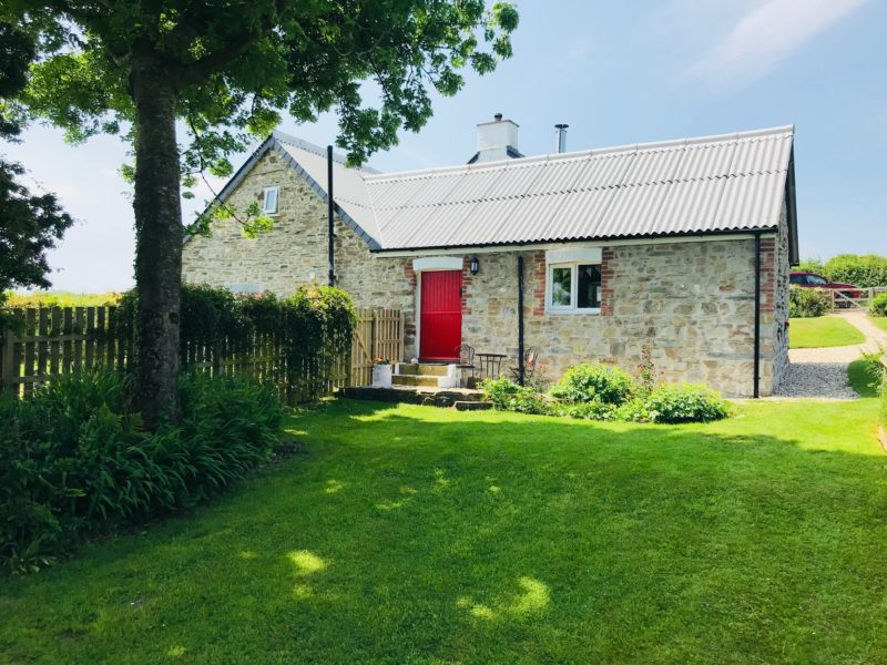 Ysgubor Hen Holiday Cottage