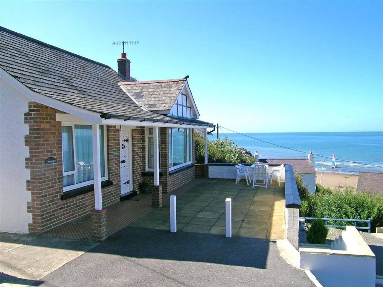 Tresaith Beach Holiday Bungalow