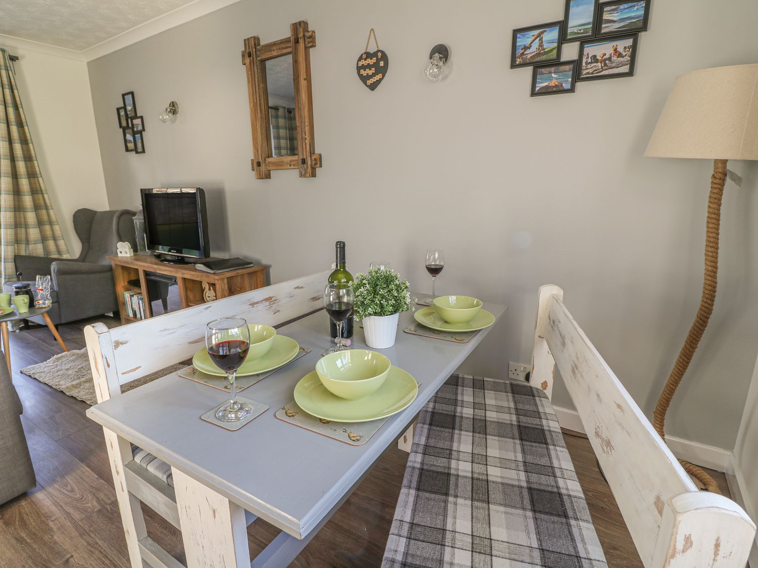 dining at cwtch Aberporth holiday cottage