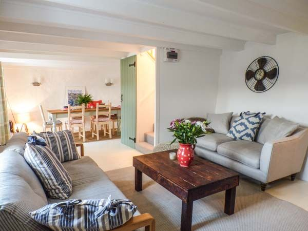Aberporth. Holiday cottages West Wales Fern Cottage Aberporth