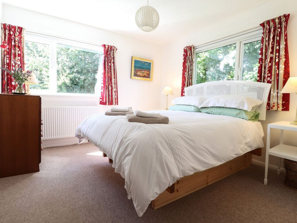 King bedroom in Newport Pembrokeshire Holiday Cottage