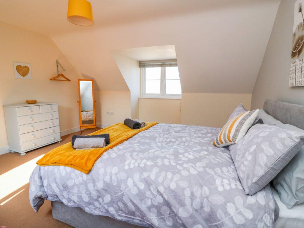 Golygfa Mor Tresaith king bedroom