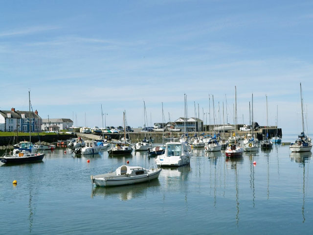 Aberaeron. Self catering holiday cottages West Wales Oswald Lodge Llanon Cardigan Bay Aberaeron