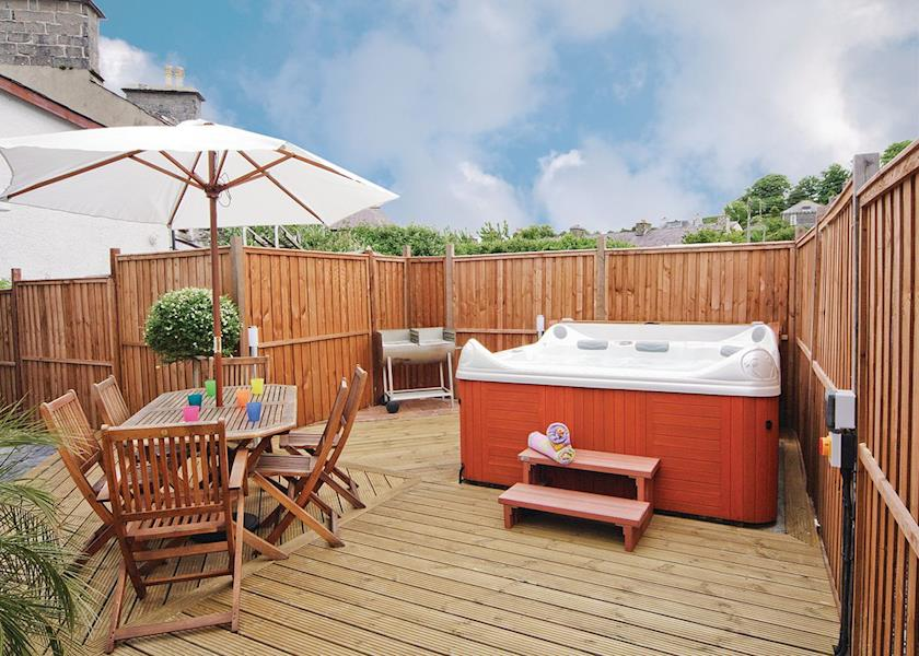 Aberaeron Holiday cottage with Hot Tub Ty Ffynnon