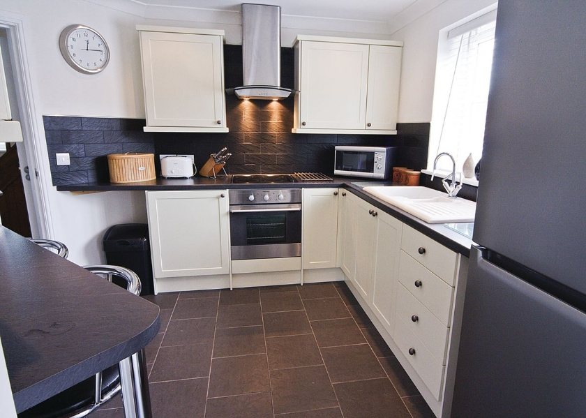 kitchen Aberaeron Holiday cottage with Hot Tub Ty Ffynnon