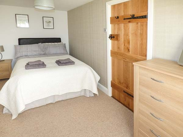 Lampeter. Self catering holiday cottages West Wales Aberdauddwr five bedroom holiday cottage Lampeter