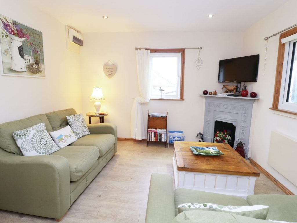 Self catering Aberystwyth open plan lounge