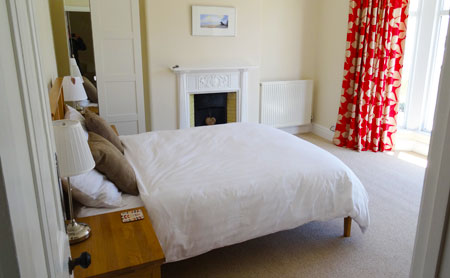 Aberaeron. Self catering holiday cottages West Wales Lynwood Large Holiday Property Aberaeron