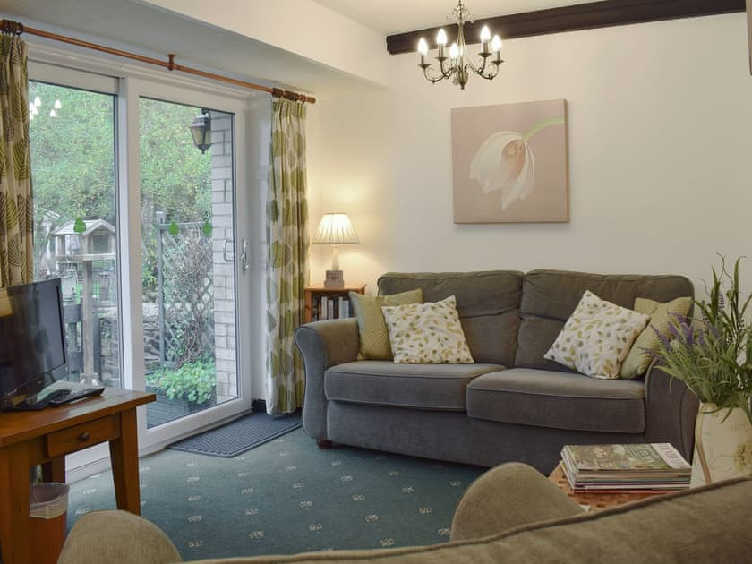 Newcastle Emlyn. Self catering holiday cottages West Wales Ivy Cottage Newcastle Emlyn