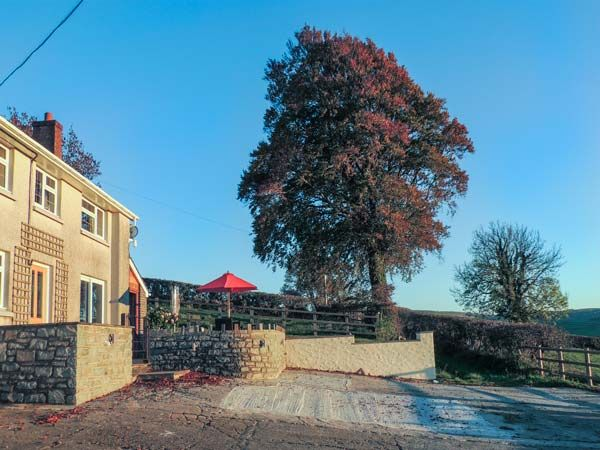 Aberdauddwr five bedroom holiday cottage Lampeter