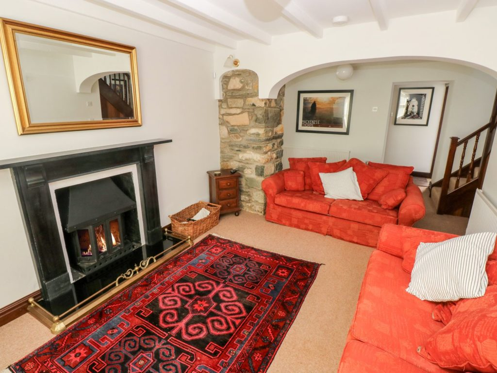Ty Morlais Newport Pembs self catering holiday - lounge
